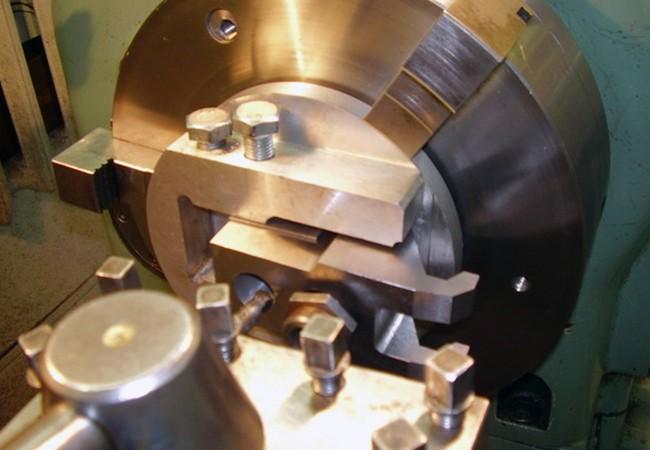 Изготовление цилиндрических деталей ручным инструментом